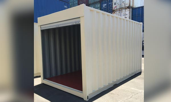 20' Container With Roll Up Door